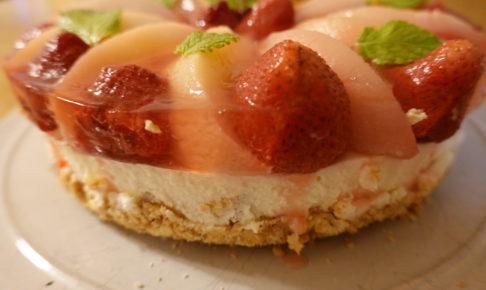 桃のレアチーズケーキ